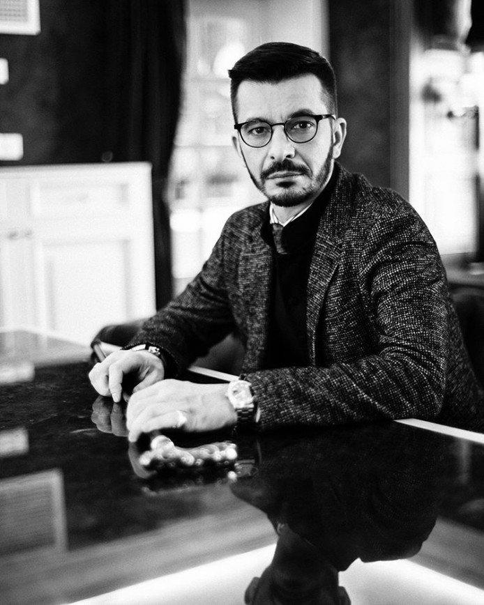 Андрей Курпатов, снимок в рабочем кабинете